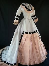 8caee5d0a9 vintage gowns - Google Search Retro Fashion