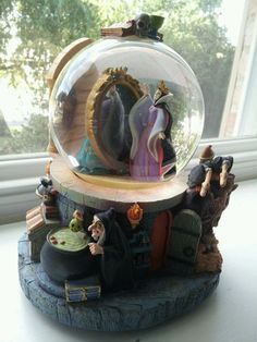 Evil Queen Disney Snow Globe   eBay