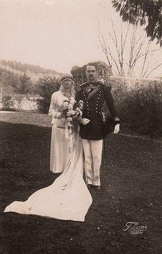 Il Principe Maximilian, di Hohenberg il giorno del suo matrimonio con la contessa Maria Elisabeth von Waldburg zu Bona Wolfegg und Waldsee il 16 novembre 1926. La coppia ha avuto sei figli, tutti nati con il rango di Altezza Serenissima Massimiliano era il maggiore dei quattro figli dell'erede al trono austriaco Francesco Ferdinando, Arciduca d'Austria-Este e sua moglie Sophie Chotek von Chotkowa. Poiché quello dei genitori era un matrimonio morganatico,