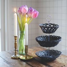 Make a Cake Stand with Baskets