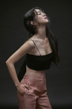 Posted by Sifu Derek Frearson Mode Ulzzang, Ulzzang Girl, Korean Beauty, Asian Beauty, Poses References, Korean Celebrities, Beautiful Asian Women, Korean Actresses, Sexy Asian Girls