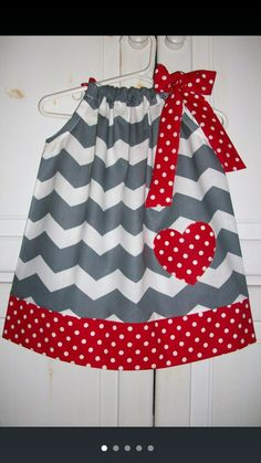 Grey/red pillowcase dress