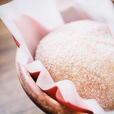 "[ALOHA TABLE] Hoshigaoka Aichi. Many Japanese like ""Malasada"" as a hawaiian snack but the origin is in small island in Portugal. It transmitted from the Atlantic island to the Pacific island and Asian island. How powerful the food culture is. . 愛知 星ヶ丘 [アロハテーブル] ""マラサダ""日本人にはハワイアンスイーツの印象が強いですが元はポルトガルのそれも大西洋の真ん中に浮かぶ小さな島のお菓子それが地球の反対側の太平洋の島に伝わりそして今ではここアジアの島国で楽しまれている 食文化のパワーのすさまじさ . #igersjp #instagramjapan #instafood #instagood #instafoodie #foodart #foodstagram #beautifulcuisines #feedfeed…"