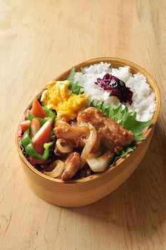 おはようございます。 先週は無事2日間の幼稚園の料理教室も終わり~ かわいい園児達にいっぱい会えて、とても嬉しかったです。 大きな幼稚園... Japanese Lunch Box, Japanese Snacks, Japanese Food, Korean Street Food, Korean Food, Asian Recipes, Ethnic Recipes, Bento Box, Great Recipes
