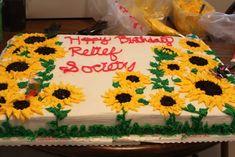bolo girassol quadrado Bolo Do Shrek, 1st Birthday Parties, Birthday Cake, Sunflower Cakes, Frosting, Cake Decorating, Party, Cupcakes, Sunflower Cake Ideas