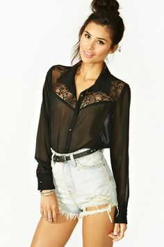 c932bef302926 Love this Lace Blouse! Summer Outfits