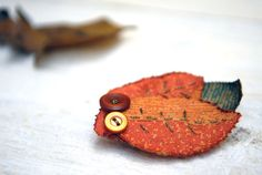 Hey, I found this really awesome Etsy listing at https://www.etsy.com/listing/114324150/fabric-leaves-brooch-orange-green-tagt