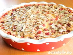 Clafoutis med stikkelsbær (Flaugnarde des groseilles rouges) French Desserts, Pudding Desserts, Hawaiian Pizza, Macaroni And Cheese, Food And Drink, Baking, Cake, Ethnic Recipes, Christmas