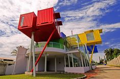 shipping container architecture and interior design news and projects Shipping Container Buildings, Used Shipping Containers, Shipping Container Homes, Container Architecture, Modern Library, Shipping Crates, Container Design, Cargo Container, Container Houses