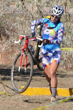 Sonya Looney of Topeak/Ergon in an awesome Kit riding a specialized CRUX