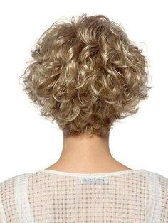 Jaw-Length Shaggy Haircut with Side Bangs - 70 Fabulous Choppy Bob Hairstyles – Best Textured Bob Ideas - The Trending Hairstyle Grey Curly Hair, Curly Hair Cuts, Wavy Hair, Short Hair Cuts, Curly Hair Styles, Curly Wigs, Curly Blonde, Fine Hair, Perms For Short Hair