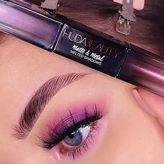 Amazing look by What is Makeup ? What's Makeup ? In general, what is makeup ? Asian Eye Makeup, Purple Eye Makeup, Skin Makeup, Beauty Makeup, Huda Beauty, Beauty Ad, Makeup Trends, Makeup Inspo, What Is Makeup