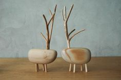These petite wooden treasures from pol-eno offer a refreshing take on the typical animal figurine. Wooden Crafts, Diy And Crafts, Wooden Bird, Wooden Animals, Wood Toys, Stone Art, Wood Design, Wood Turning, Wood Art