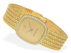 Armbanduhr: luxuriöse Damenuhr von Audemars Piguet mit hochwertigem Brillantbesatz Ca. 23 × 26mm,
