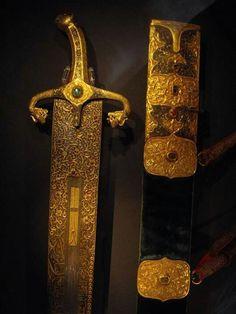 Katana Swords, Dagger Knife, Swords And Daggers, Arm Armor, Cool Guns, Blade, Weapons, Arms, Knifes