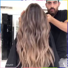 New year, new hair color! I'm in New year, new hair color! Hair Color Streaks, Blonde Hair With Highlights, Hair Color Balayage, Beliage Hair, New Hair, Hair Color Caramel, Hair Color Techniques, Hair Transformation, Hair Videos