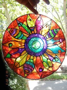 Mandala Art, Mandala Pattern, Mosaic Pots, Mosaic Glass, Hamsa Art, Devin Art, Cd Crafts, Stained Glass Paint, Cd Art