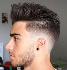 Rejuvenation fade with spiked top - Hairstyles All Boys Hairstyles Trendy, Girls Short Haircuts, Hairstyles Haircuts, Haircuts For Men, Short Hair Cuts, Short Hair Styles, Hair And Beard Styles, Low Fade, Low Taper Fade Haircut
