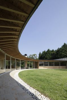 Villa at Sengokubara, Shigeru Ban. A strong case for courtyard houses.
