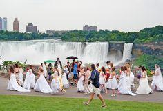 Trash The Dress #Canada #running of the #brides #trashtehdress #trouwen #huwelijk #event #fotografie #Artstudio23 #Breda