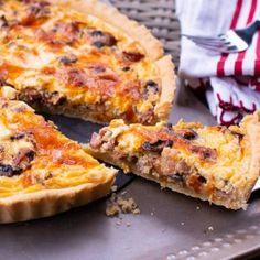 Chiftele in sos de rosii , cu mozzarella , la cuptor - Lucky Cake Lucky Cake, Mozzarella, Spice Blends, What To Cook, Bacon, Quiche, Dips, Spices, Appetizers