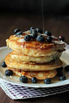 Buttermilch-Blaubeer Pancakes   SASIBELLA