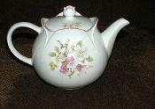 Sadler Windsor Foxglove Apple Blossom Teapot