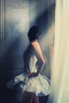 500px / Photo Ballerina by Julie de Waroquier