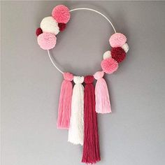 Shades of Pink 💕 including some sparkly wool ✨ swipe left to see a video 💜 Diy Crafts Hacks, Diy Crafts For Gifts, Diy Home Crafts, Diy Arts And Crafts, Creative Crafts, Pom Pom Crafts, Yarn Crafts, Dream Catcher Craft, Dream Catchers