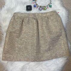 """Zara Gold Tweed Skirt Very versatile and classy Zara Gold Tweed Skirt. Pockets & middle zip. Waist 14.4"""" - 15"""" & Lenght: 15.5"""". NWOT Zara Skirts Mini"""