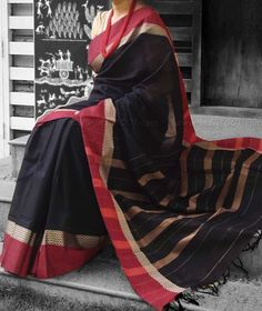 Elegant Woven Handloom Cotton Saree