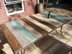 Tables Pallet Patio Table-Top Redo With Pallet Wood Table Top Redo, Pallet Table Top, Pallet Lounge, Diy Dining Table, Pallet Patio, Wood Patio, Diy Patio, Patio Dining, Patio Tables