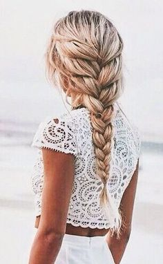 Simple braided hairstyles for spring 2017 - Hair - Hair Cool Hairstyles For Girls, Pretty Hairstyles, Girl Hairstyles, Wedding Hairstyles, Fashion Hairstyles, Loose Braid Hairstyles, Loose Braids, French Plait Hairstyles, 2 Braids