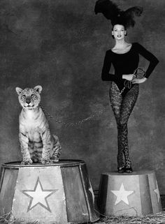 Linda Evangelista, photo by Steven Meisel for Kenar Campaign, 1994 Steven Meisel, Linda Evangelista, Diy Outfits, Helena Christensen, Top Models, Clowns, Big Cat Diary, Foto Picture, Circus Performers