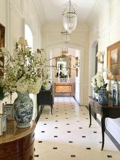 One enchanted evening. - The Enchanted Home One enchanted evening…. – The Enchanted Home Design Entrée, Flur Design, House Design, Vintage Interior Design, Interior Design Kitchen, Interior And Exterior, Exterior Design, Decoration Inspiration, Interior Inspiration