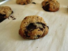 Chocolate Chip Cookies w/ 6 ingredients: coconut flour, coconut oil, honey, vanilla, sea salt, and choc chips.