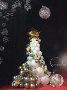 Balloon Tree, Balloon Display, Love Balloon, Balloon Garland, Christmas Balloons, Christmas Party Decorations, Xmas Party, Football Balloons, Balloon Pictures