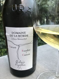 If you love Chardonnay you'll love Savagnin! Very similar but with a distinctive floral finish.