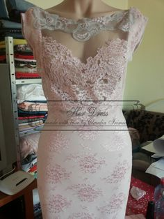 Lace Bodycon Dress Handmade Flowers Appliques Princess Sweetheart Neckline Sexy See-through by HerDressByClaudia on Etsy Handmade Dresses, Unique Dresses, Handmade Flowers, Beautiful Dresses, Sexy Hips, Flower Applique, Lace Flowers, Beautiful Legs, Pink Lace