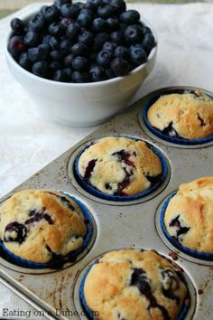 These Quick and Easy One Bowl Blueberry Muffins are a great recipe when you are wanting a fast but easy breakfast that is delicious and full of flavor. # quick and Easy Recipes Quick and Easy One Bowl Blueberry Muffins Think Food, Love Food, Homemade Blueberry Muffins, Blueberry Recipes Easy, Blueberry Breakfast, Gluten Free Blueberry Muffins, Blue Berry Muffins Healthy, Skinny Blueberry Muffins, Blueberry Ideas
