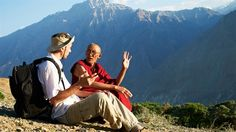 Tourist and monk in mountains. One male tourist and buddhist monk discussing in , Spiegel Online, Mountain Photos, Buddhist Monk, Machu Picchu, India Travel, Wonderful Places, Birds In Flight, Trekking, Adventure Travel