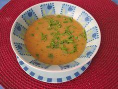 Zucchini-Möhren-Kartoffelsuppe à la Mama, ein leckeres Rezept aus der Kategorie Gemüse. Bewertungen: 55. Durchschnitt: Ø 4,3.