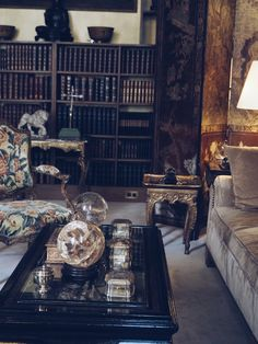 BLOGGED: A visit to Coco Chanel's private apartment Rue cambon