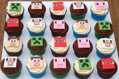 Cupcakes decoration for kids minecraft birthday parties 16 Ideas Cupcakes Minecraft, Minecraft Torte, Minecraft Party Decorations, Minecraft Birthday Cake, Easy Minecraft Cake, Minecraft Crafts, Minecraft Cake Toppers, Minecraft Skins, 7th Birthday