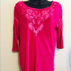 Free People Ls Tribal Casual Top Xs Bead Detail Free People Ls Tribal Casual Top Xs Bead Detail.  100% viscose.  EUC. Free People Tops Blouses