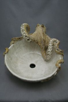 Large Hand made Ceramic Octopus Vessel Sink by Shayne Greco Beautiful Mediterranean Pottery.its a SINK! Ceramic Bowls, Ceramic Pottery, Ceramic Art, Ceramic Sink, Glazed Pottery, Slab Pottery, Kraken, Ideas Baños, Decor Ideas
