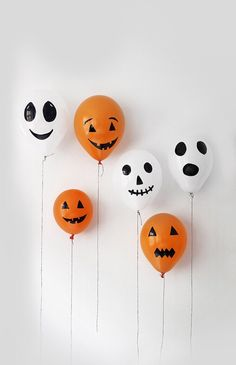 Image via We Heart It https://weheartit.com/entry/143512028 #balloon #black #cute #Halloween #orange #sweet #white