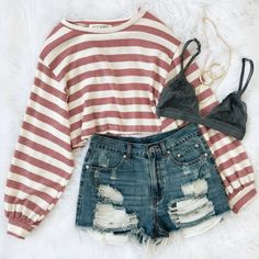 38 Spring Outfits You Will Got Want To Wear Find and save ideas about spring style on Women Outfits. Cute Casual Outfits, Cute Summer Outfits, Short Outfits, Spring Outfits, Cute Outfits With Shorts, Winter Outfits, Outfits For School Summer, Long Sleeve Outfits, Teenage Outfits