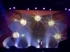 A big surprise at #DisneyLegends as Ne-Yo sings Aladdin's Friend Like Me #D23Expo #D23Expo2015