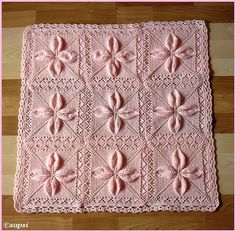 Free knitting pattern for a counterpane motif knit in the round with leaves and a lace border. Crochet Bedspread, Crochet Blanket Patterns, Baby Blanket Crochet, Baby Knitting Patterns, Stitch Patterns, Arm Knitting, Knitting Stitches, Knitting Blocking, Knit Dishcloth